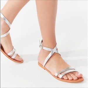 NWT Urban Outfitters Silver Wrap Sandal Size 8